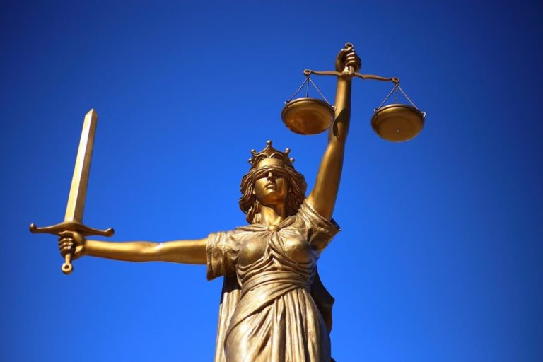 Prawo rodzinne – jakie sprawy może prowadzić prawnik w tej kwestii?